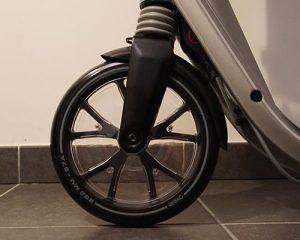 J'ai acheté la trottinette adulte Oxelo Town 9 de Decathlon - roue