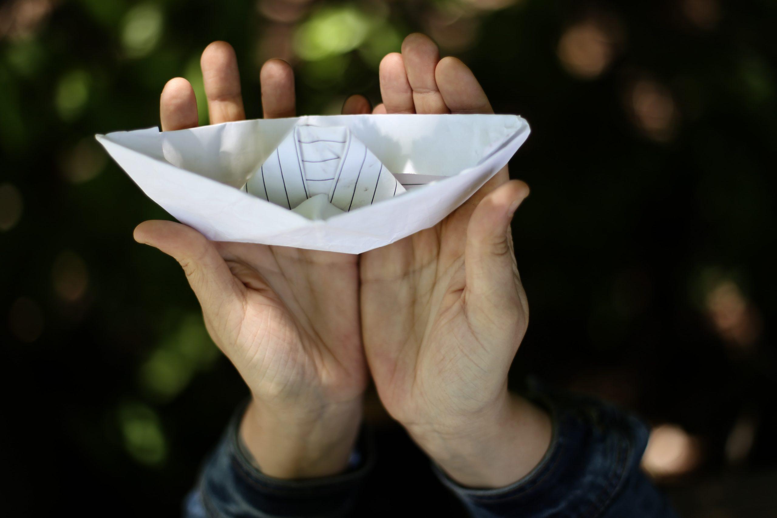 bateau en papier jeu anniversaire