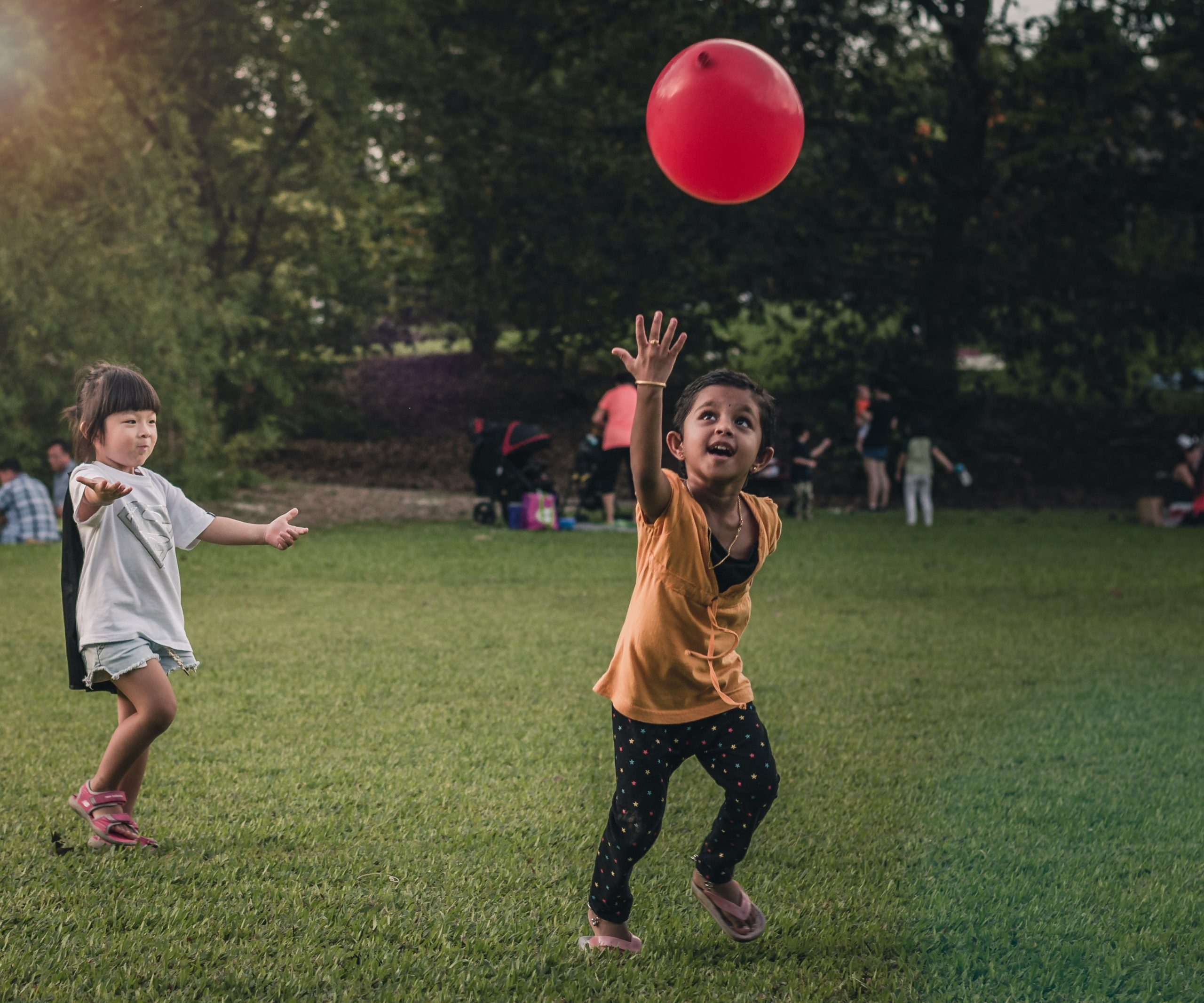 Enfant Ballon Jeu Anniversaire
